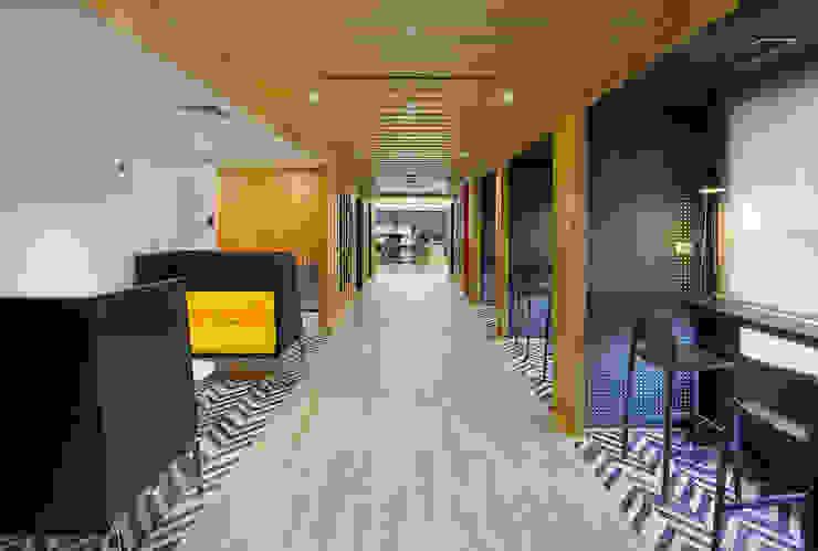 Espacio Café de Alexandra Keller, diseño de Interiores Industrial Metal