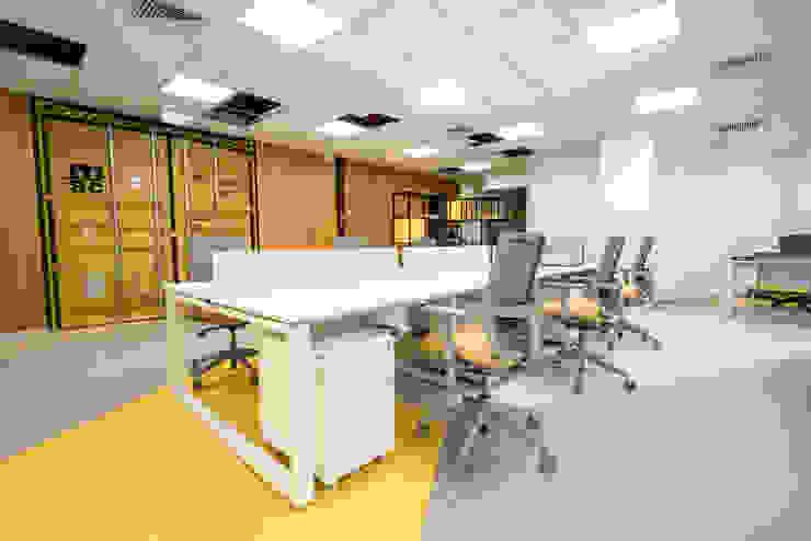 Espacio coworking de Alexandra Keller, diseño de Interiores Industrial Aglomerado