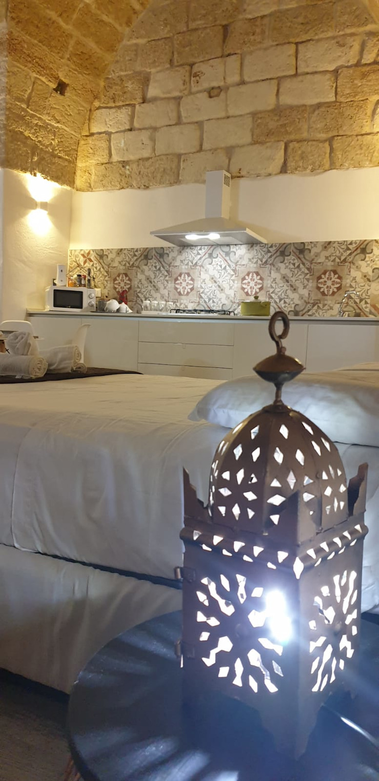 camera da letto ROSA CARBONE DESIGN Camera da letto moderna Piastrelle Bianco