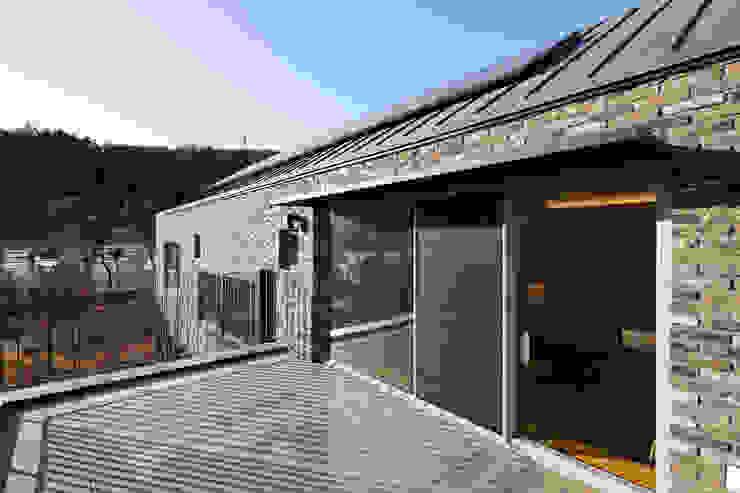 대가족을 위한 맞춤 시공/설계 세종목조주택 by 위드하임 모던