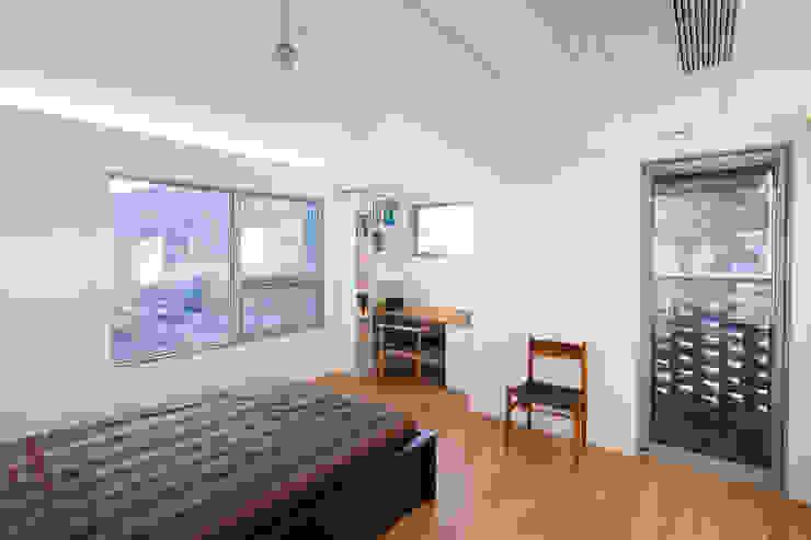 대가족을 위한 맞춤 시공/설계 세종목조주택 모던스타일 침실 by 위드하임 모던
