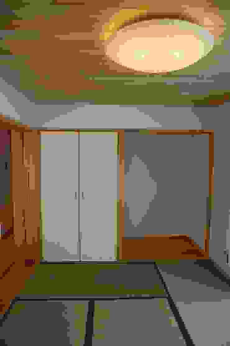 和室 株式会社高野設計工房 北欧デザインの 多目的室