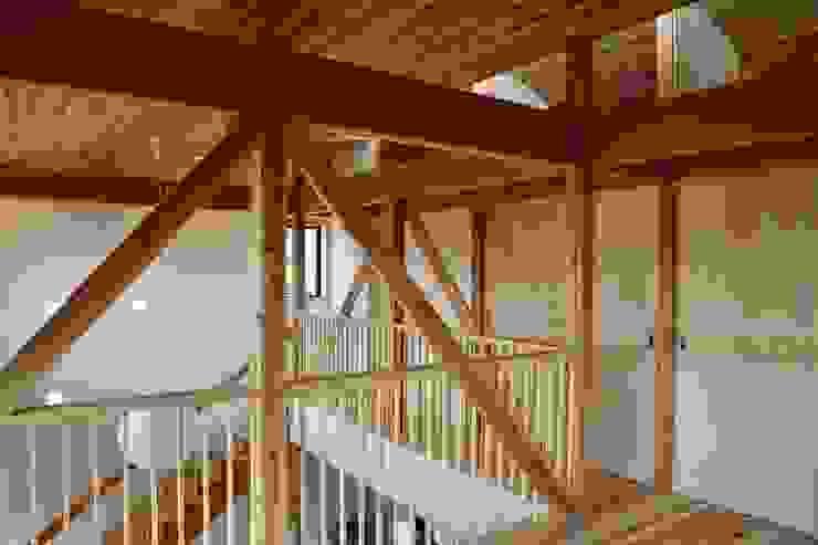 廊下 株式会社高野設計工房 北欧スタイルの 玄関&廊下&階段
