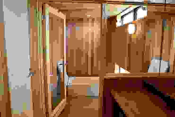 浴室 株式会社高野設計工房 北欧スタイルの お風呂・バスルーム