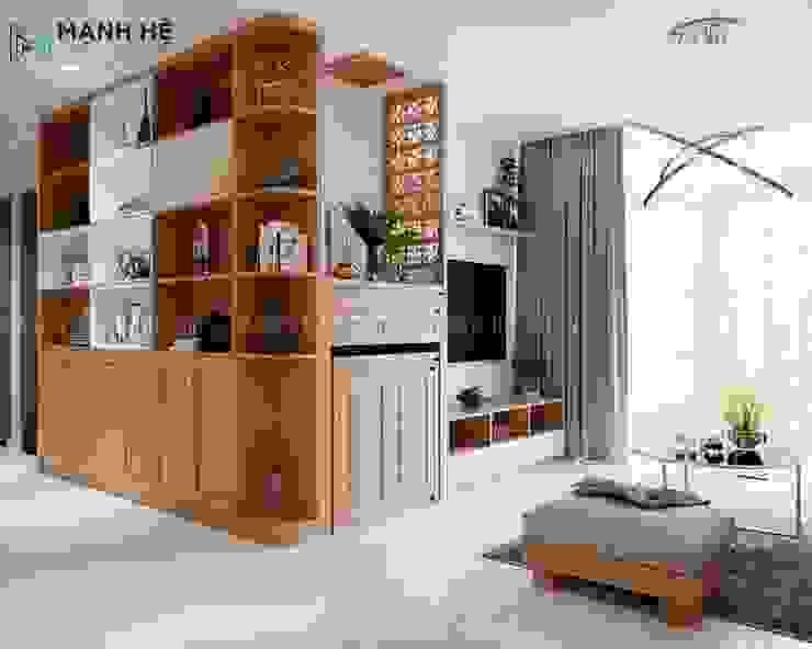 Hệ tủ kệ trang trí phòng khác bằng gỗ tự nhiên bởi Công ty TNHH Nội Thất Mạnh Hệ Hiện đại