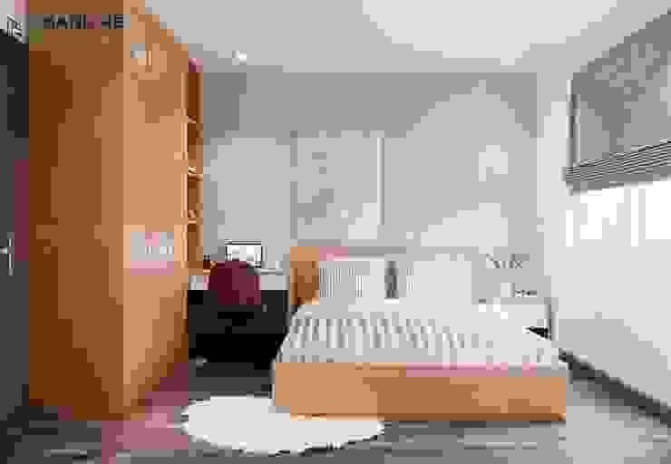 Tiết chế họa tiết cho phòng ngủ gỗ Sồi tự nhiên mộc mạc bởi Công ty TNHH Nội Thất Mạnh Hệ Hiện đại