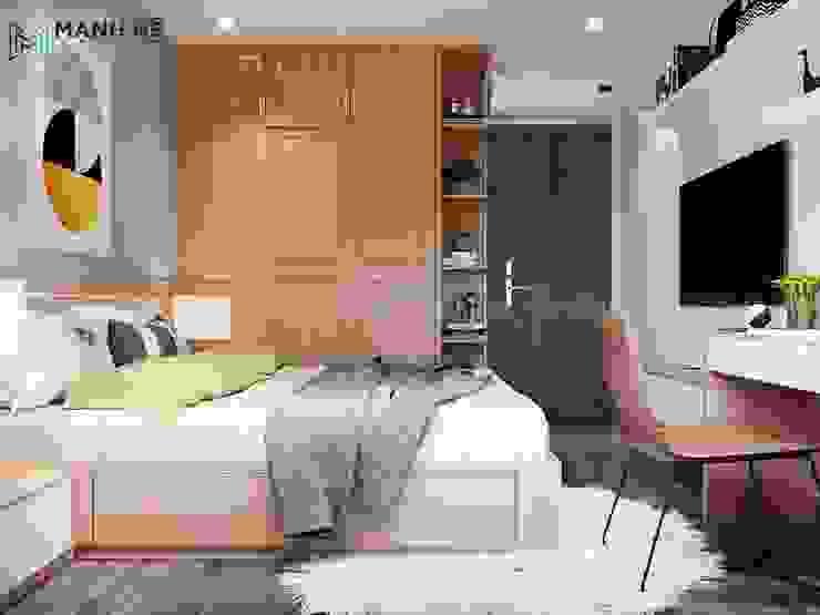 Tủ quần áo gỗ Sồi tự nhiên cửa lùa. Cánh tủ chạy panel với nhiều ô chia nhỏ Phòng ngủ phong cách hiện đại bởi Công ty TNHH Nội Thất Mạnh Hệ Hiện đại