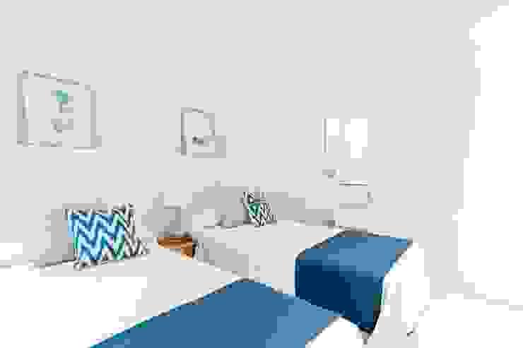 Theunissen Staging y Decoración SL BedroomBeds & headboards Serat Alami Blue