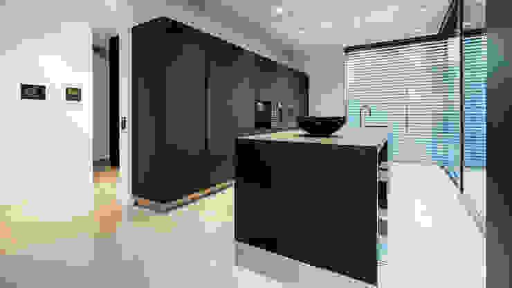 INTERIEURFOTOGRAFIE | Kunde: GIG Göge Immobilien GmbH: modern  von FALKO WÜBBECKE |FOTODESIGN,Modern Stein