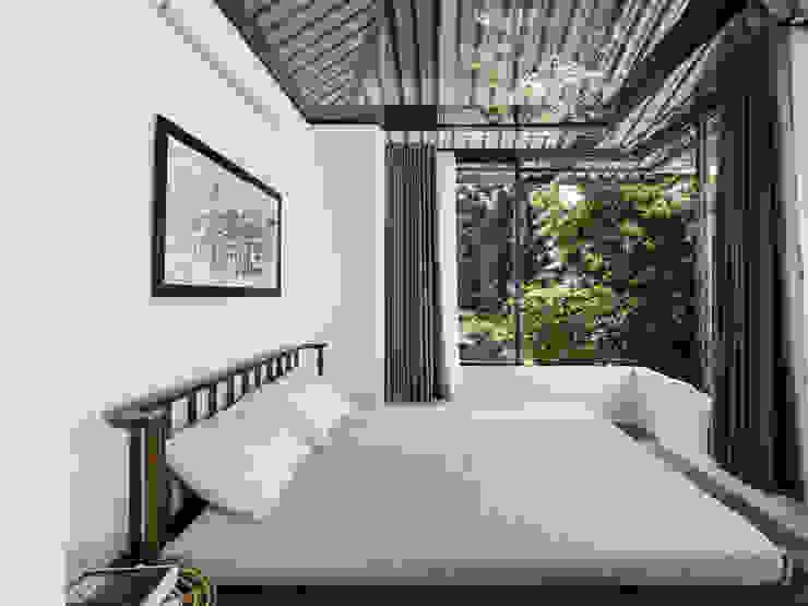 The UMBRELLA Phòng ngủ phong cách nhiệt đới bởi AD+ Nhiệt đới