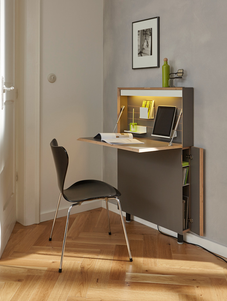 studio michael hilgers Study/officeDesks Plywood Grey