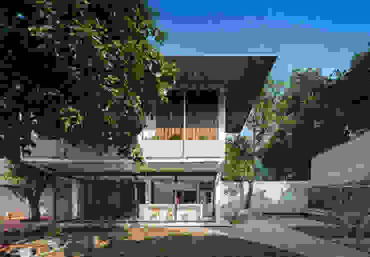 house Nhà phong cách nhiệt đới bởi AD+ Nhiệt đới