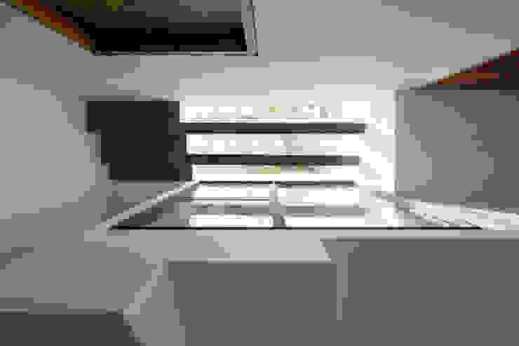 BOUNDARY house: nhiệt đới  by AD+, Nhiệt đới