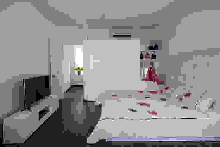 SILK house Phòng khách phong cách nhiệt đới bởi AD+ Nhiệt đới