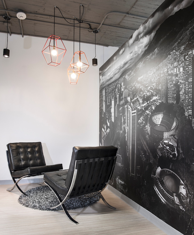 entrearquitectosestudio Industrial corridor, hallway & stairs Plastic Black
