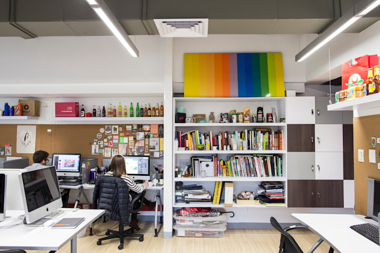 entrearquitectosestudio Industrial style study/office Chipboard White