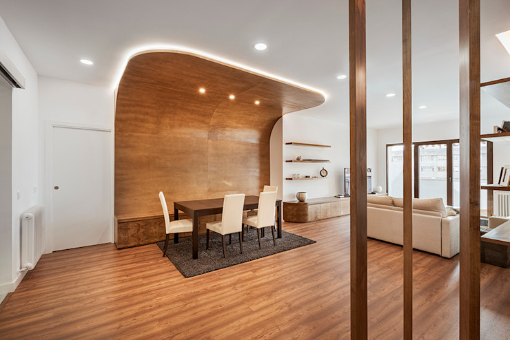OOIIO Arquitectura Sala da pranzo in stile scandinavo Legno composito Effetto legno