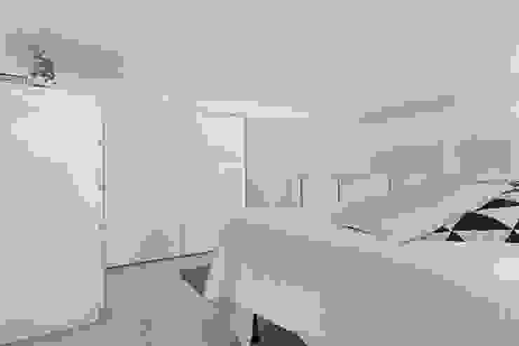 camera da letto soppalcato di Lascia la Scia S.n.c. Scandinavo Legno Effetto legno
