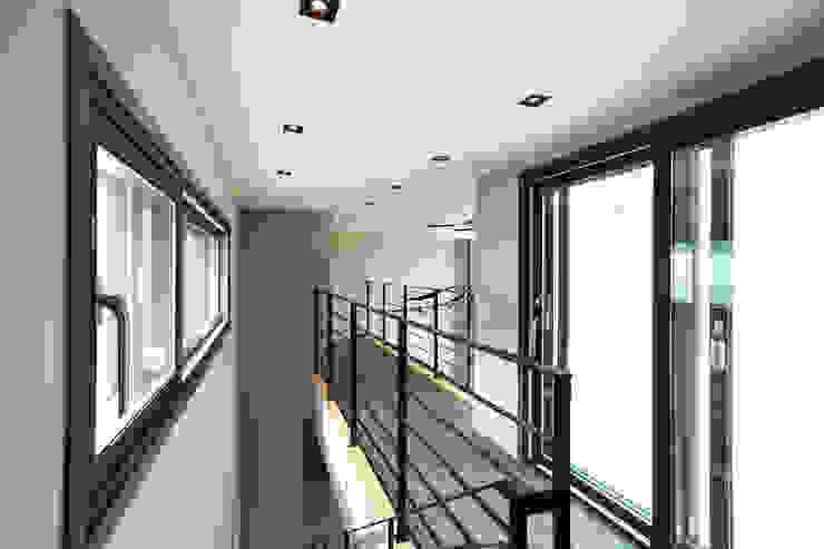 2층 계단실 by 한글주택(주) 모던