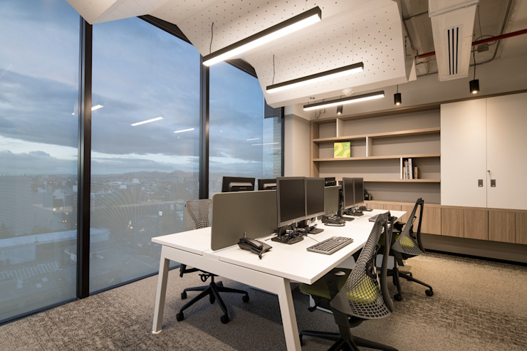 entrearquitectosestudio Modern style study/office Chipboard White