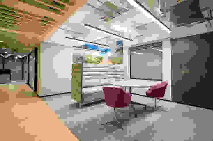 entrearquitectosestudio Living room Wood-Plastic Composite Grey