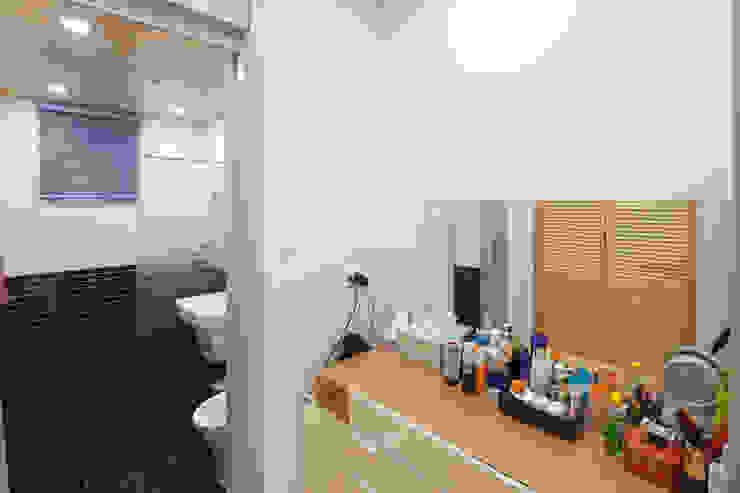 세 자매의 행복한 세 주택 서산목조주택 스칸디나비아 욕실 by 위드하임 북유럽