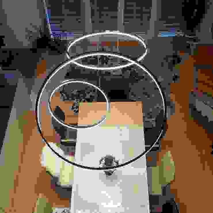 LED-Ringleuchten dimmbar, elegant & verschiedenen Farben & Formen von Skapetze Lichtmacher