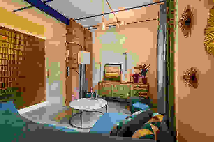 Reforma de apartamento en Madrid, sala de estar. OOIIO Arquitectura Salones de estilo ecléctico Ladrillos Multicolor
