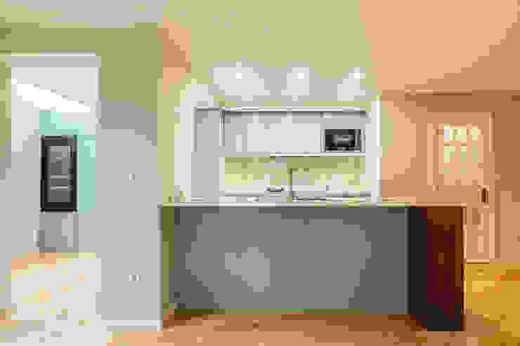 Cozinha - Projeto de remodelação SHI Studio Interior Design por ShiStudio Interior Design Moderno