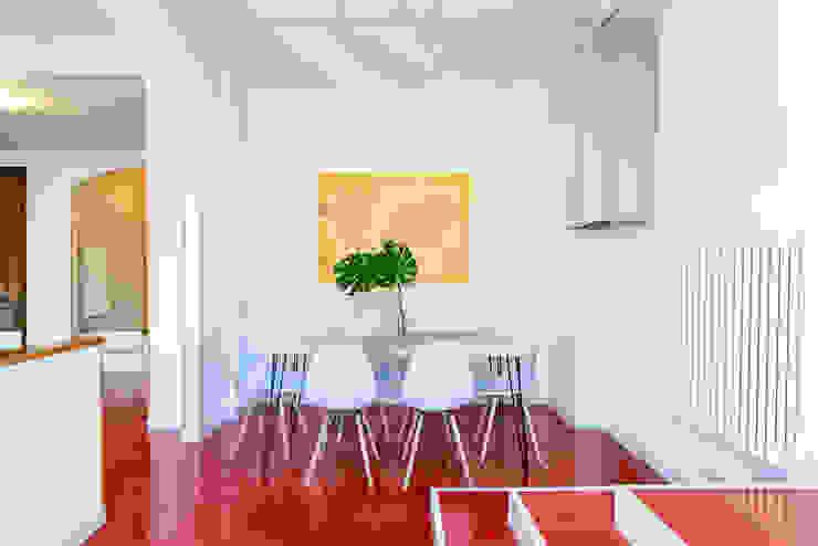 Rosso con vista Gaia Brunello | in-photo Sala da pranzo moderna Rosso