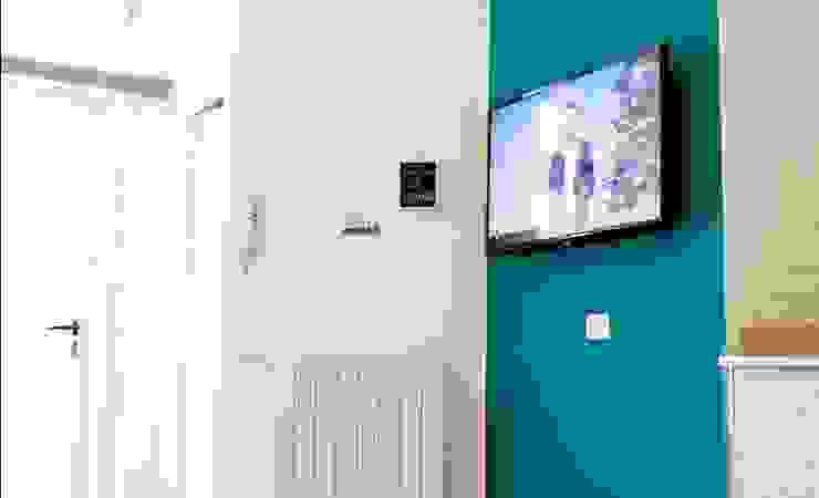 Zona giorno Soggiorno moderno di antonio felicetti architettura & interior design Moderno Cemento