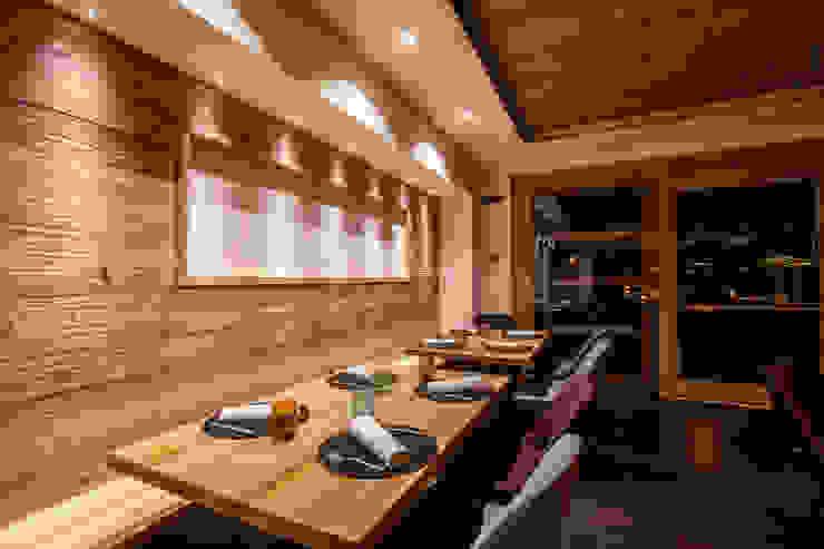 Il ristorante gourmet del Monaco Sport Hotel a Santo Stefano di Cadore (BL) Roberto Pedi Fotografo Sala da pranzo moderna