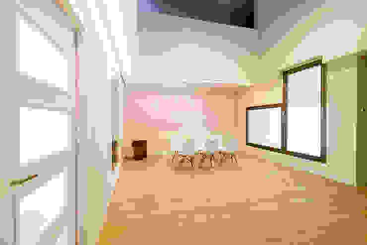 OOIIO Arquitectura 餐廳 木頭 Beige