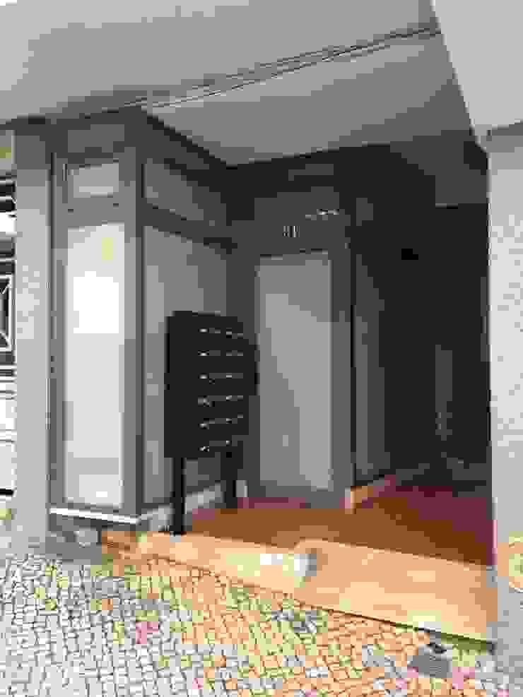 Ecoplan, Lda. Puertas de vidrio Gris