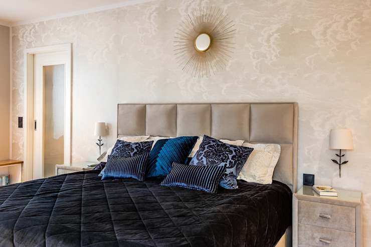 Master Bedroom CONSCIOUS DESIGN - INTERIORS Eclectic style bedroom Silver/Gold Blue