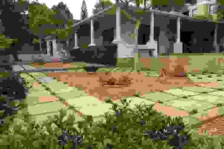Ten To Zen Brett Walker Landscaping Front yard