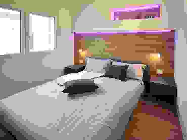 Villa moderna in legno a Bolgare (Bergamo) Camera da letto moderna di Marlegno Moderno Legno Effetto legno