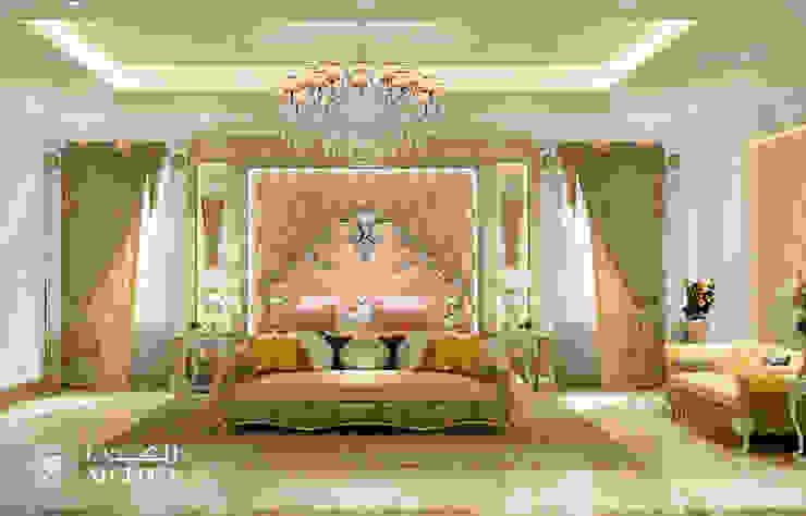 غرفة نوم رئيسية في فيلا كلاسيكية فاخرة من Algedra Interior Design كلاسيكي