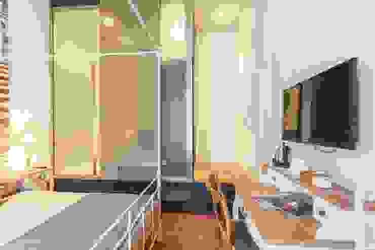ibedi laboratorio di architettura Modern style bedroom Ceramic Brown