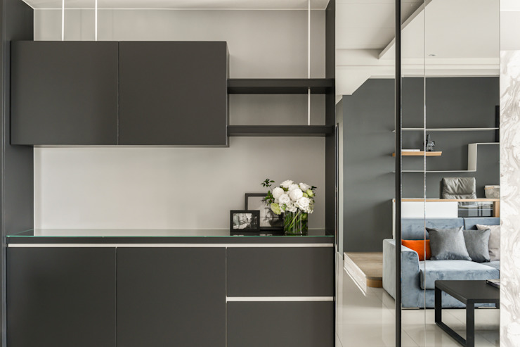 Taichung T-House 现代客厅設計點子、靈感 & 圖片 根據 ZOOM Design 現代風 玻璃