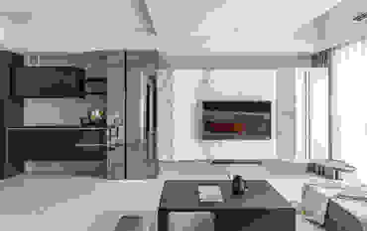 Taichung T-House 现代客厅設計點子、靈感 & 圖片 根據 ZOOM Design 現代風 大理石