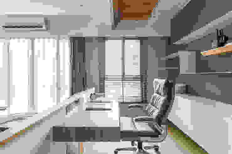 Taichung T-House 根據 ZOOM Design 現代風 實木 Multicolored
