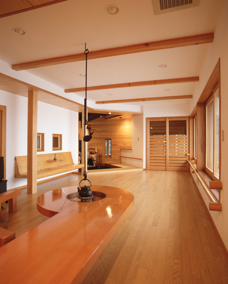 Eclectic style living room by (株)独楽蔵 KOMAGURA Eclectic