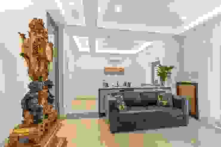 Salotto Dr-Z Architects Soggiorno eclettico Marmo Bianco