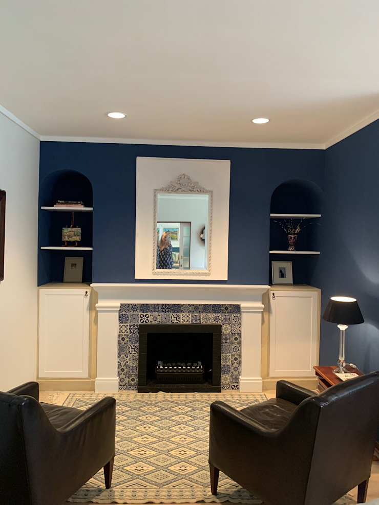 New Mexican tiles and a gas fireplace by CS DESIGN Classic