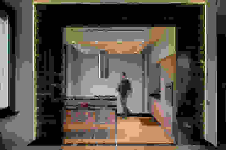 OPA Architetti Cocinas de estilo moderno Gris