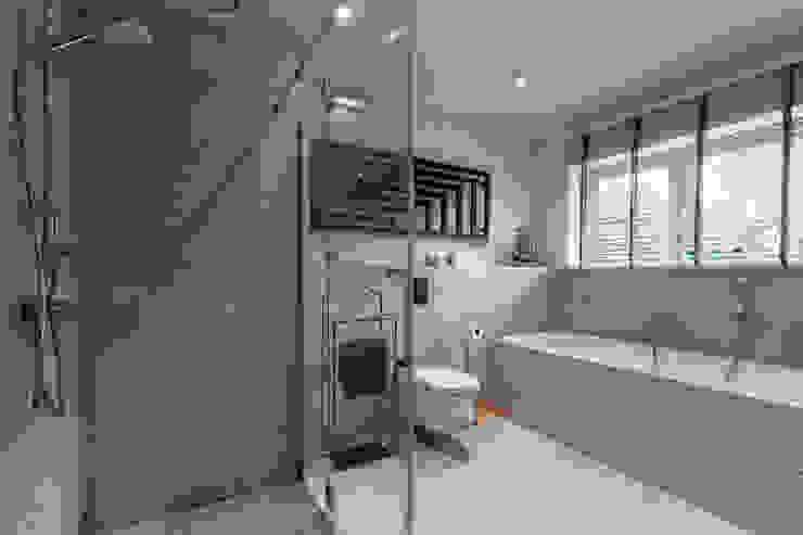 Modern Bathroom by HouseStudio Modern