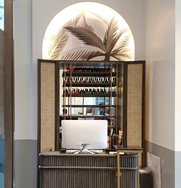 Hypestudio Tropical style walls & floors Wood Brown
