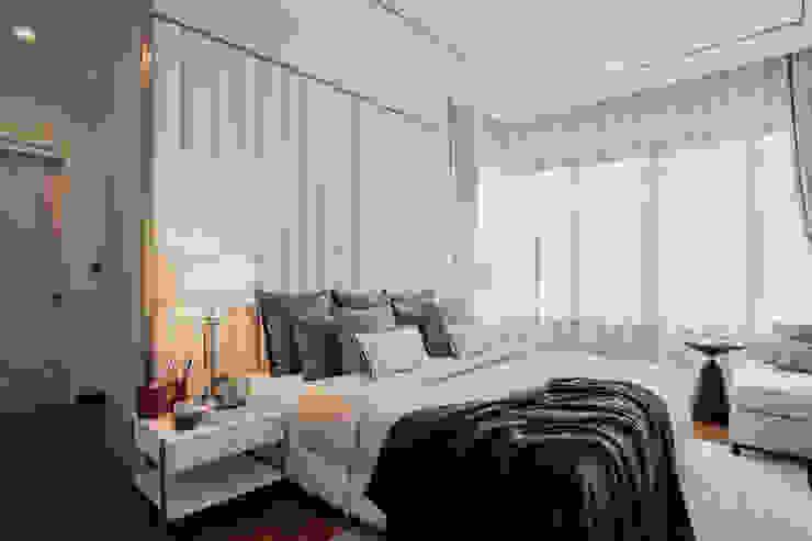 Blue and White bedroom show house The pavilla residence – hypestudio Hypestudio ห้องนอนขนาดเล็ก ไม้ White