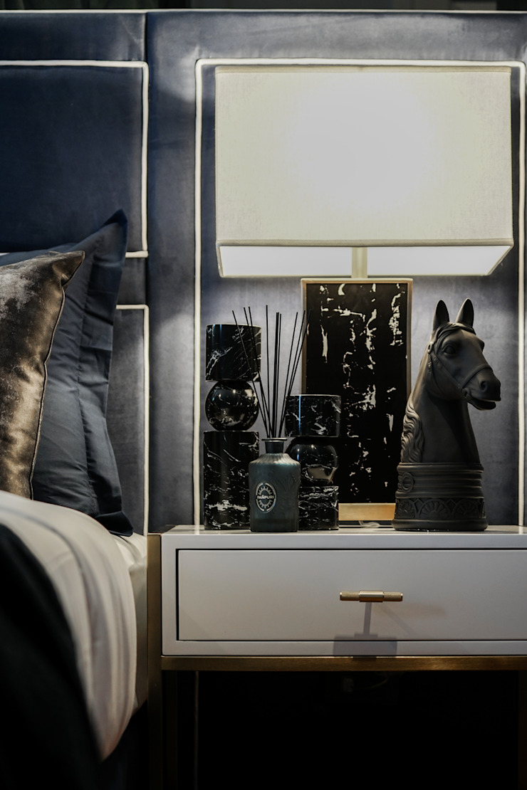 Blue and White bedroom show house The pavilla residence – hypestudio Hypestudio งานศิลปะแต่งบ้านประติมากรรม หิน Black
